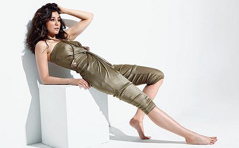 http://pics.wikifeet.com/Dorka-Gryllus-Feet-627218.jpg