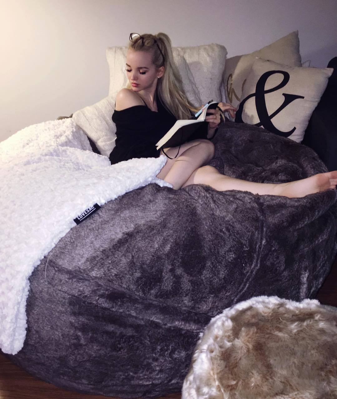 Sexy Feet Dove Cameron  nude (43 photo), Instagram, bra