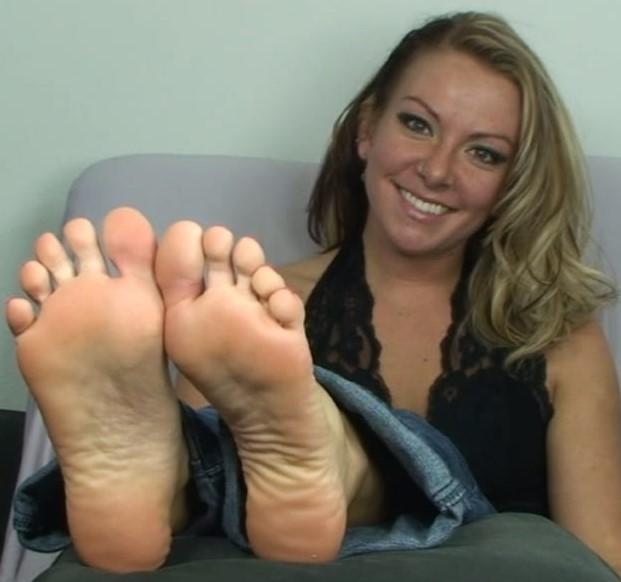 Two Chinese Feet Worship