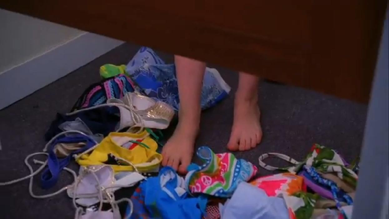 Eden Sher's Feet (562631)