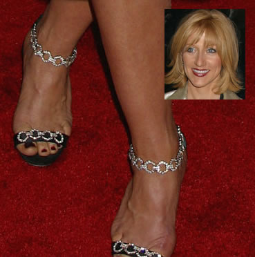 edie falco height
