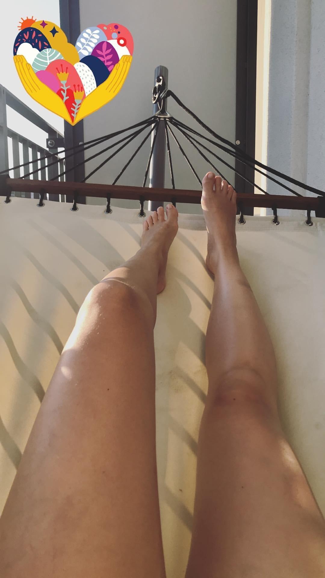 Feet Sjokz nude (81 images), Paparazzi