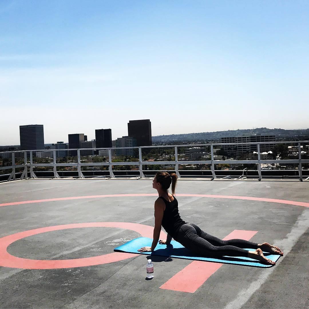 Feet Elisabetta Canalis nude (22 photos), Sexy, Sideboobs, Selfie, cleavage 2015