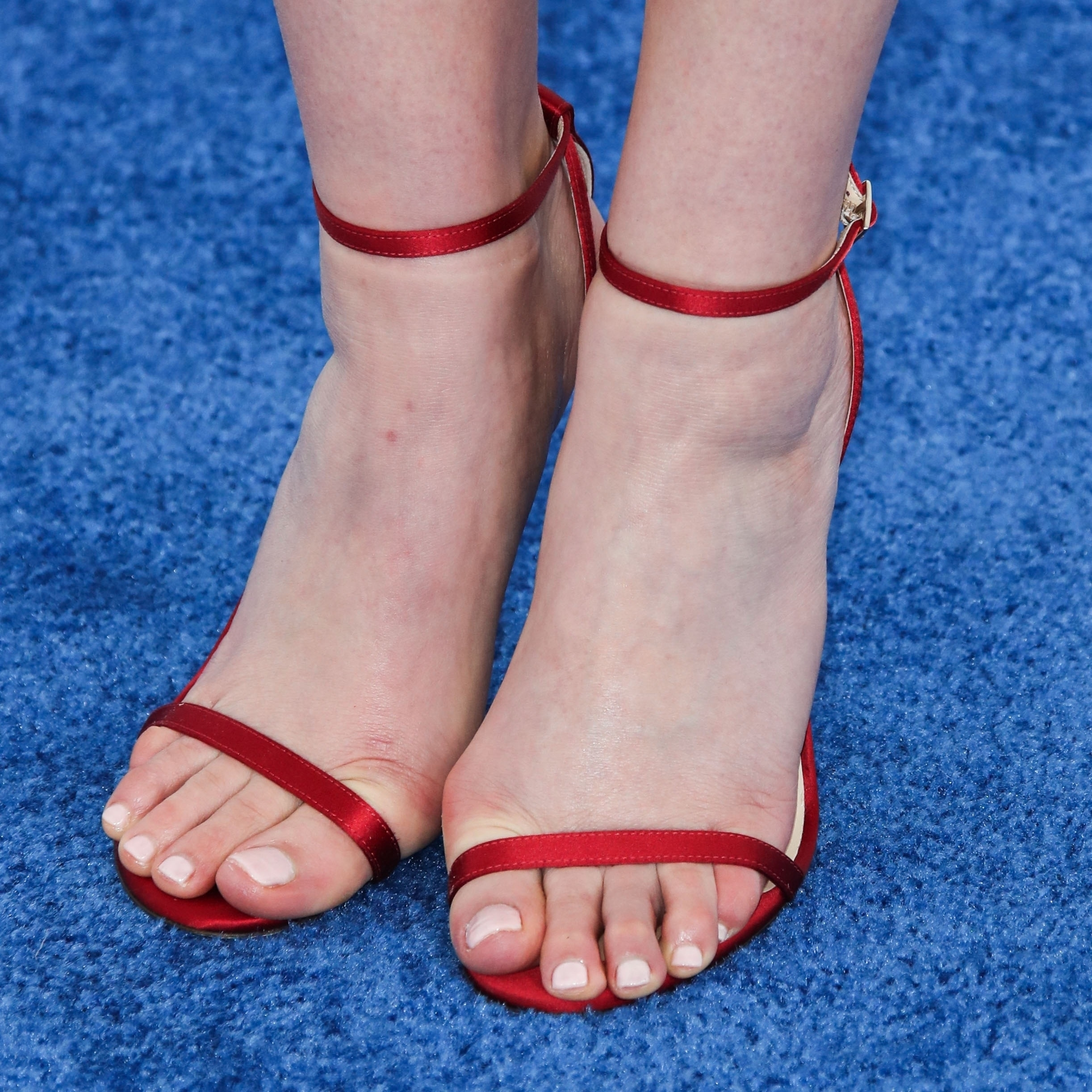 Foot tease and elizabeth