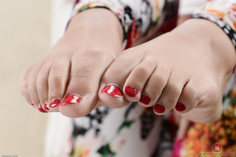 Elle Voneva's Feet