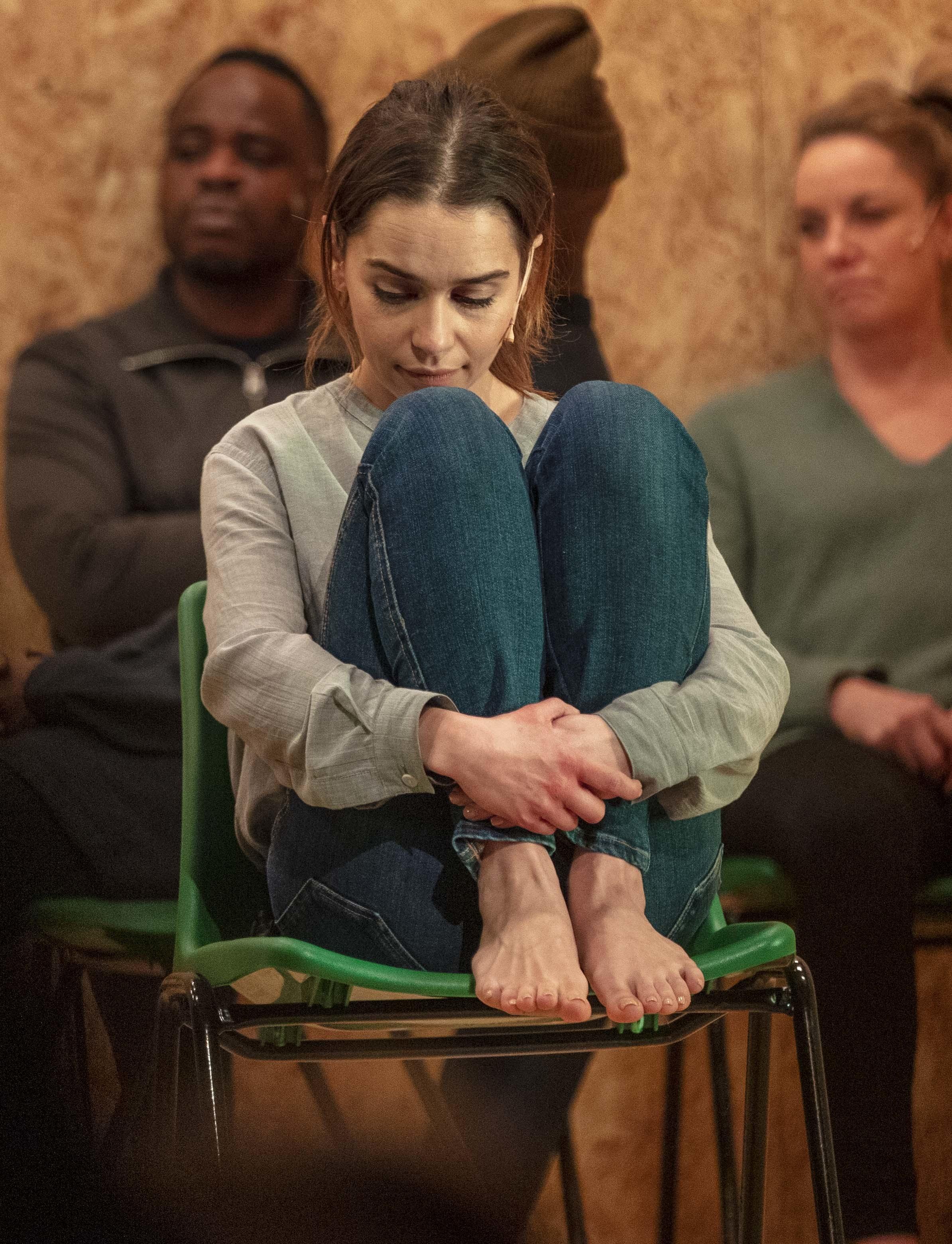 https://pics.wikifeet.com/Emilia-Clarke-Feet-4867845.jpg