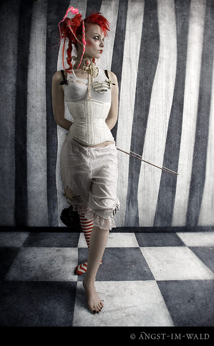 Emilie-Autumn-Feet-175168.jpg