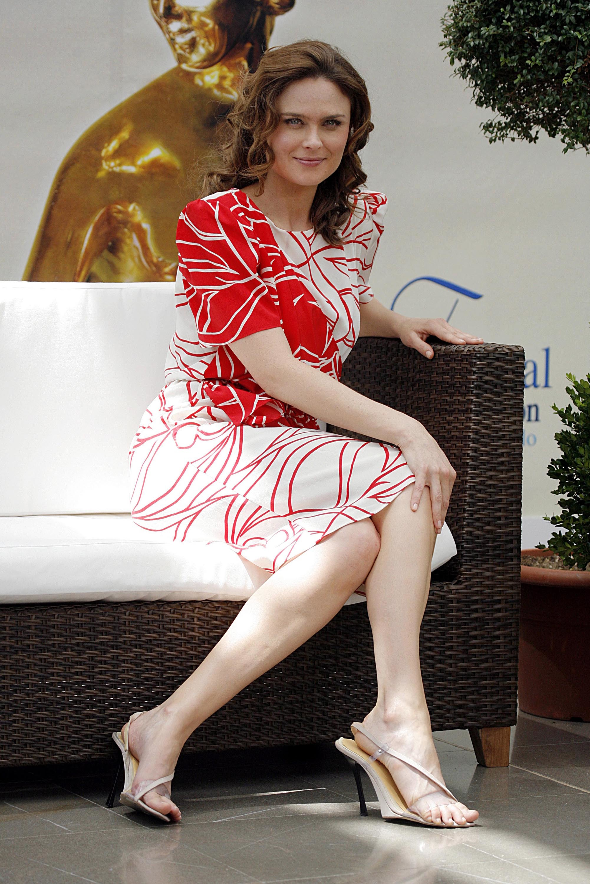 Discussion Emily deschanel feet and legs