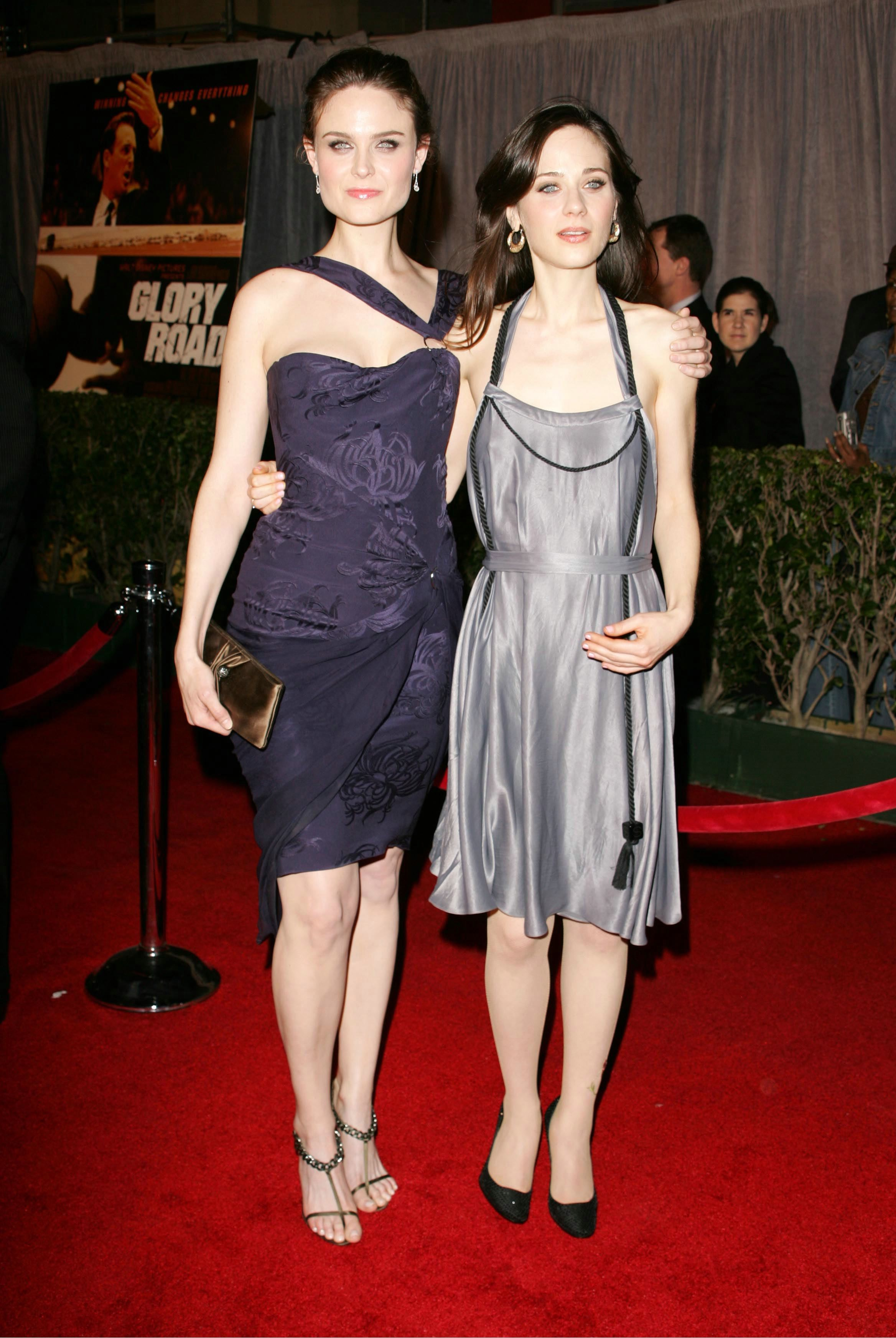 Emily deschanel feet and legs - Sex archive