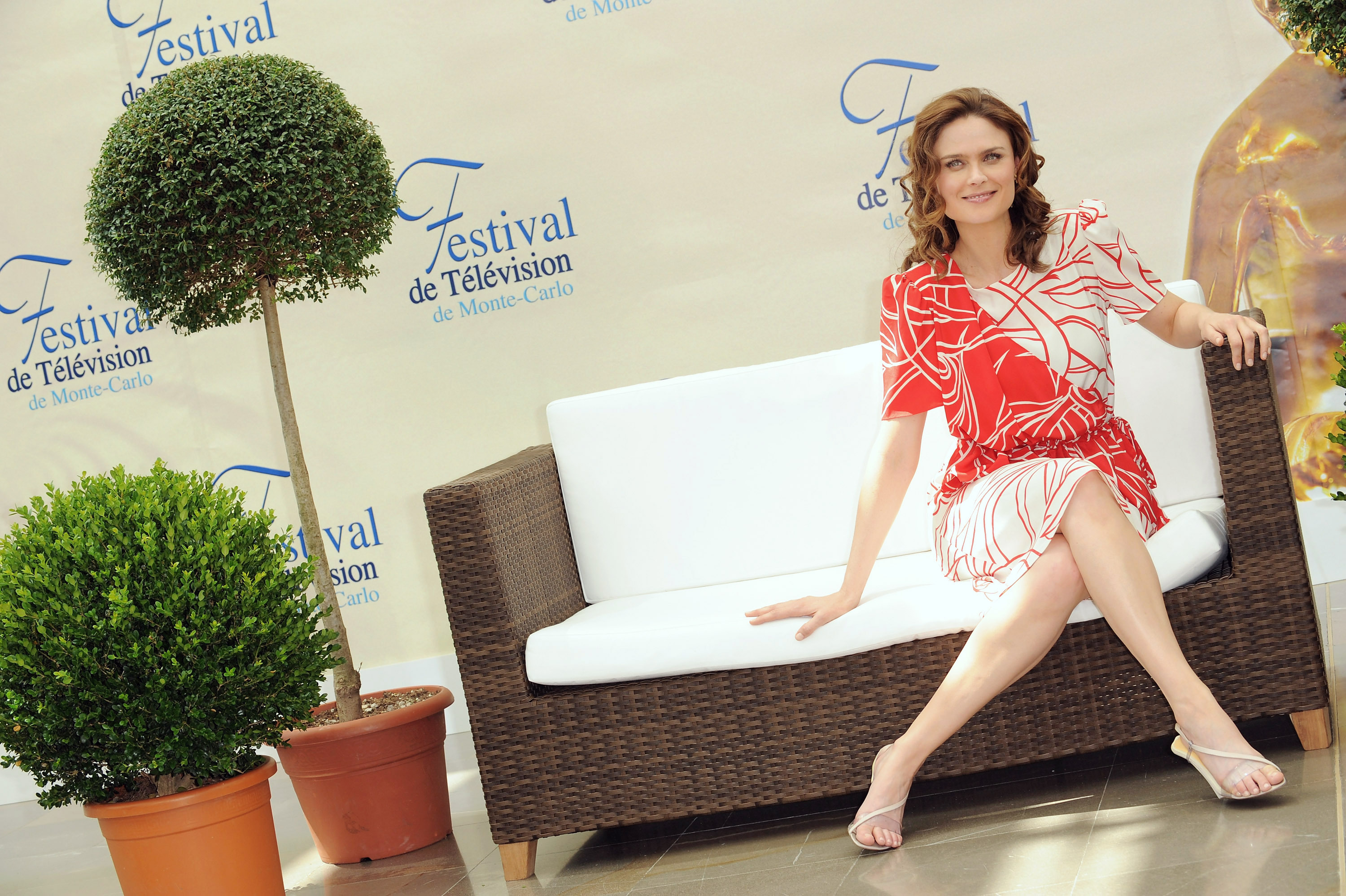 Emily-Deschanel-Feet-952455.jpg (3000×1998) | Emily ...