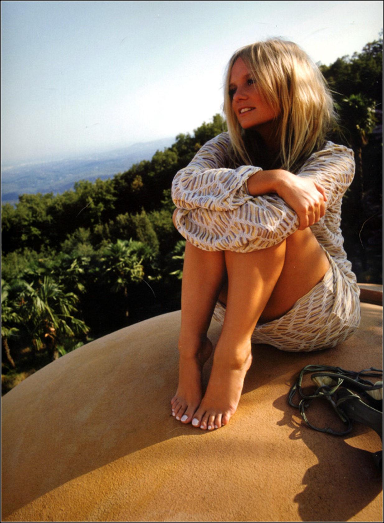 Emma Buntons Feet