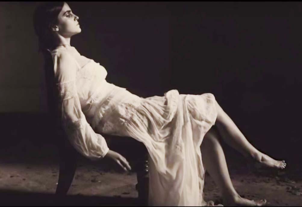 http://pics.wikifeet.com/Emma-Watson-Feet-1985444.jpg