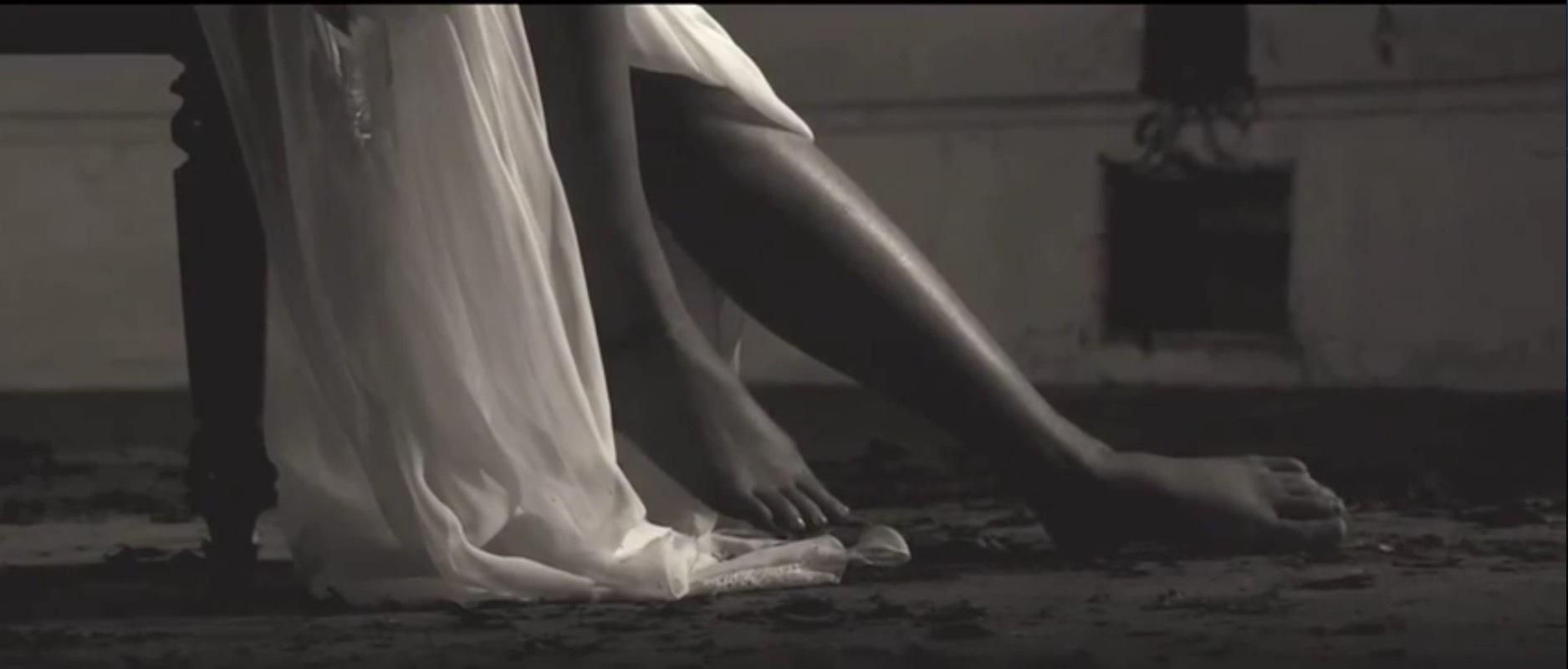 http://pics.wikifeet.com/Emma-Watson-Feet-1985512.jpg