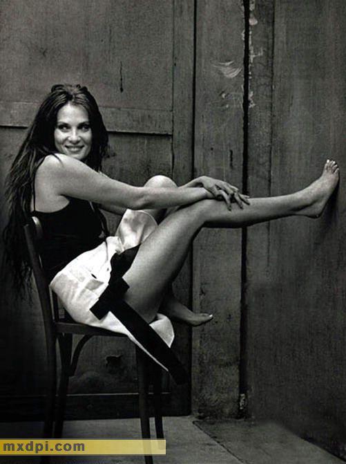 Emmanuelle seigner feet