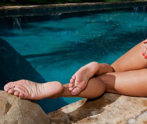 Esperanza Gómez's Feet
