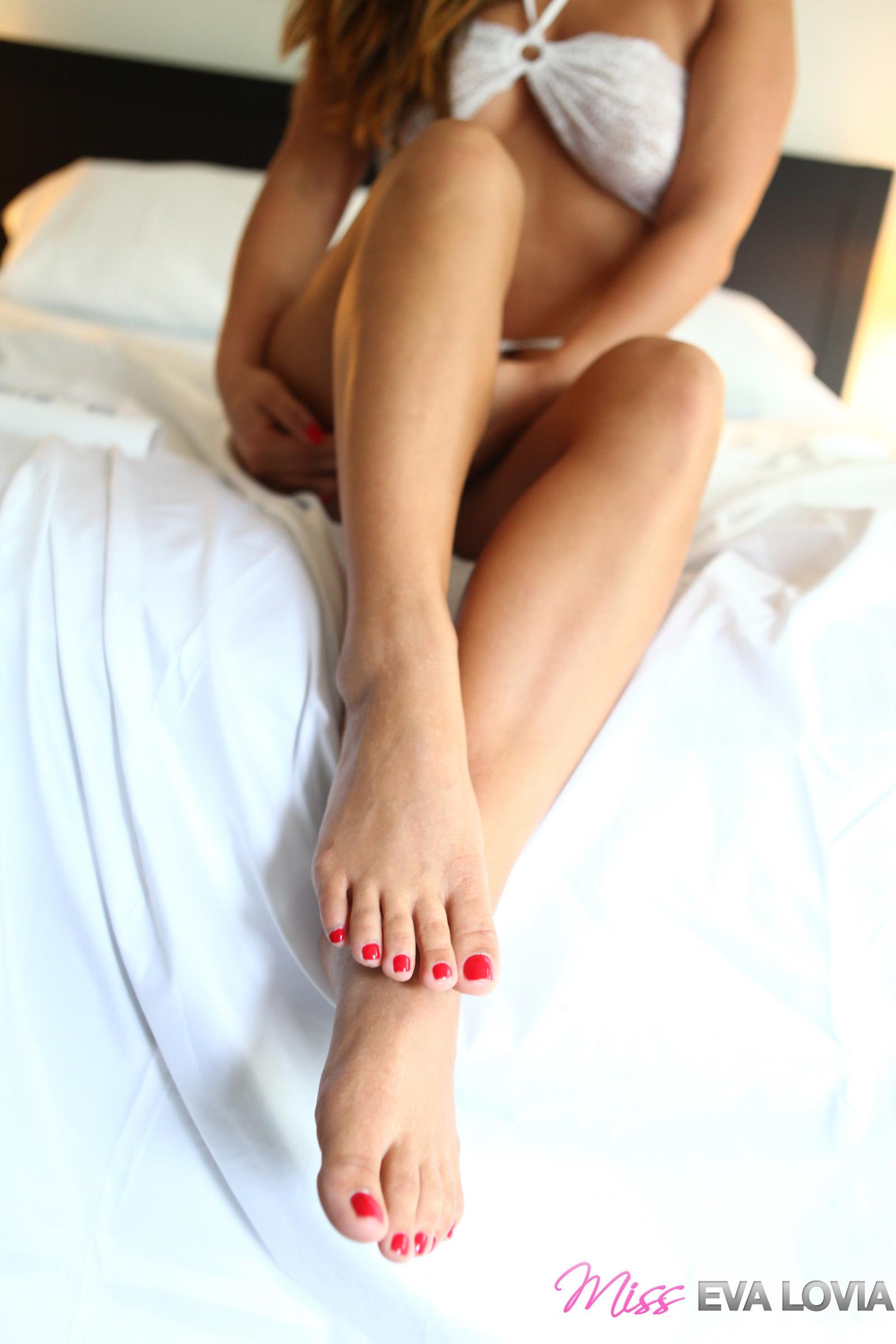 Los pies de Eva Lovia - Imágenes en Taringa!
