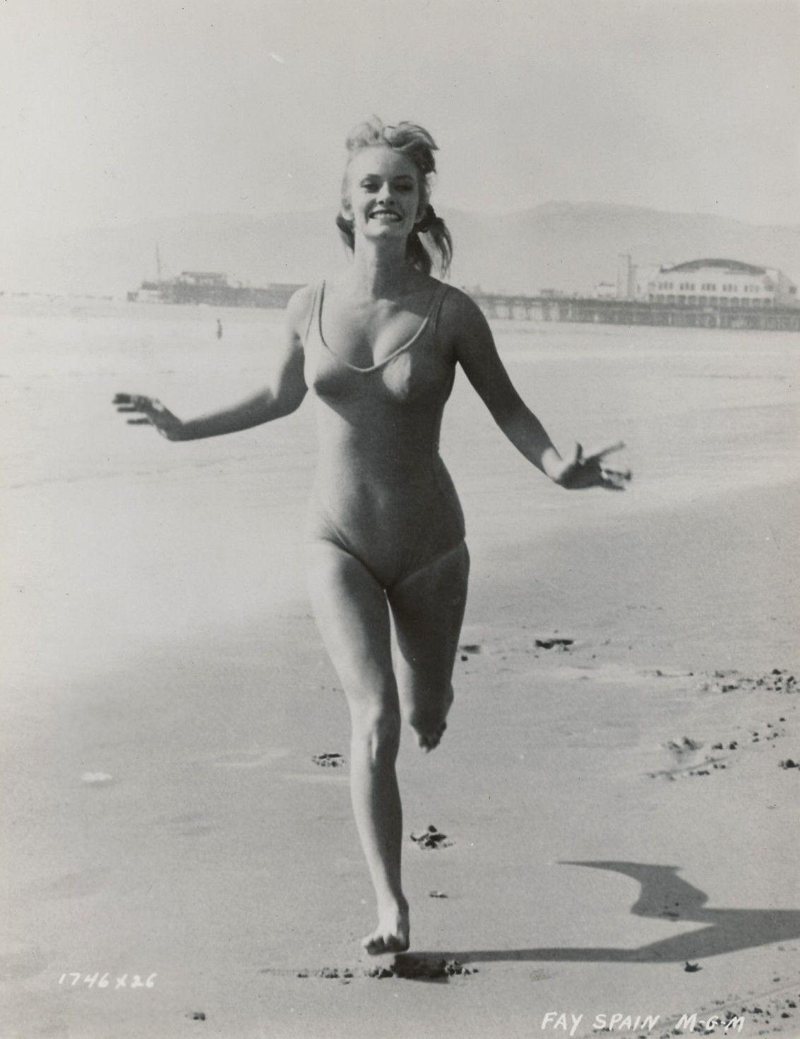 Chloe Dauden (b. 1987) picture