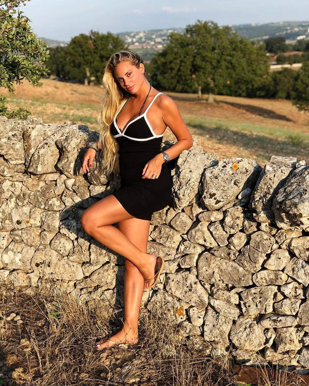 Feet Francesca Brambilla naked (29 photo), Topless, Is a cute, Feet, cameltoe 2019