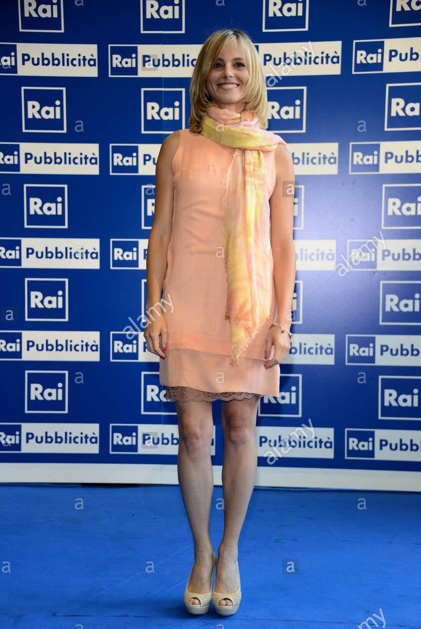 Francesca Fialdini S Feet Wikifeet