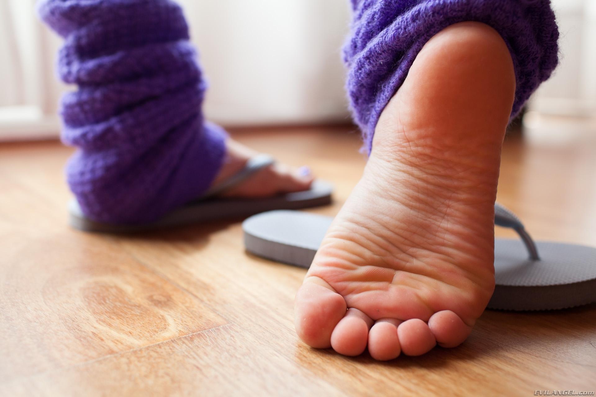 gabriella paltrova feet