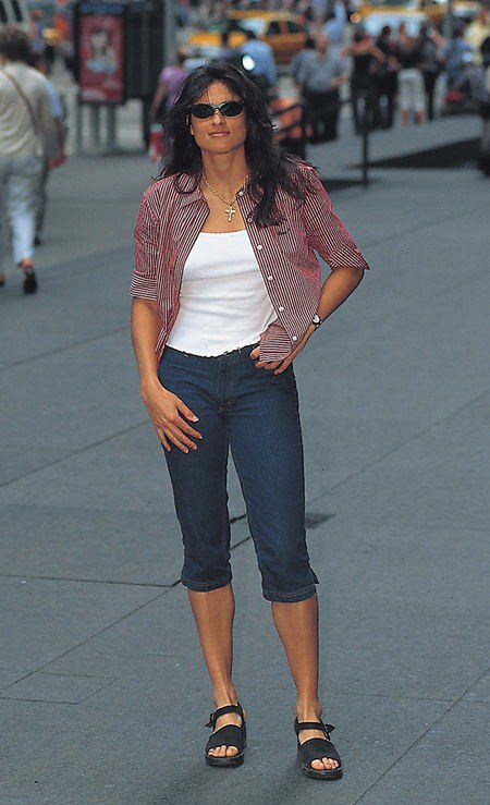 gabriela sabatini sweat - photo #35