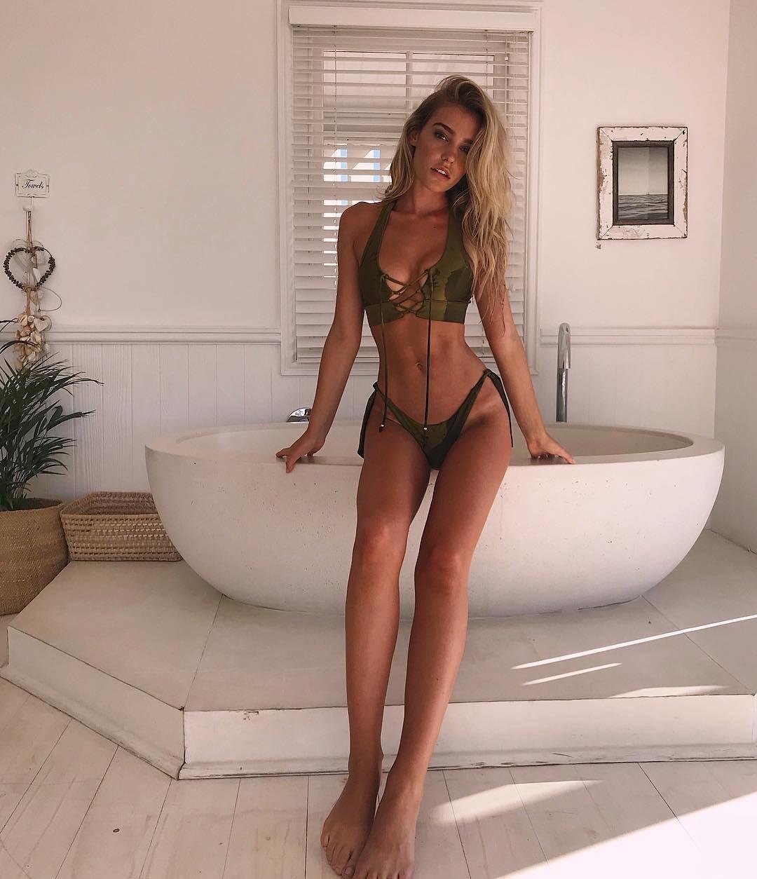 Pussy Georgia Gibbs nudes (77 pictures) Sideboobs, YouTube, braless