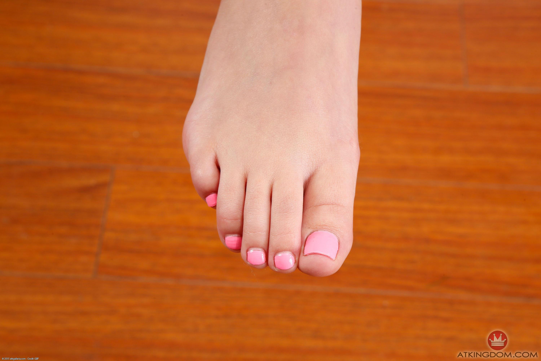 gia page feet