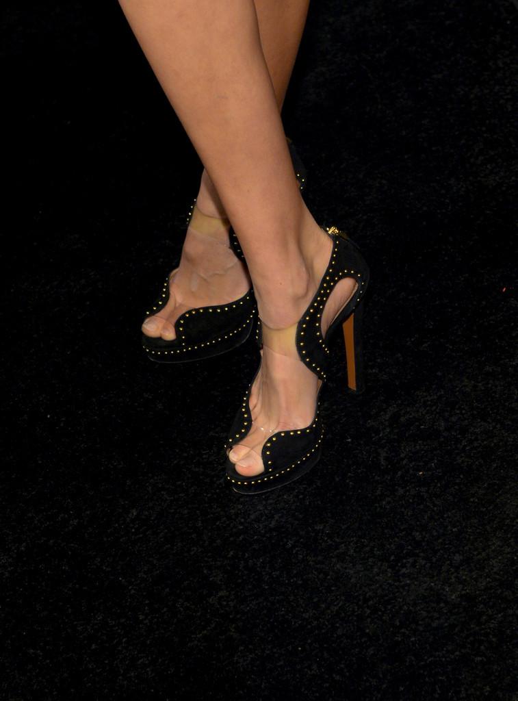 Hot Feet Gig Hadid  nudes (99 photo), YouTube, legs