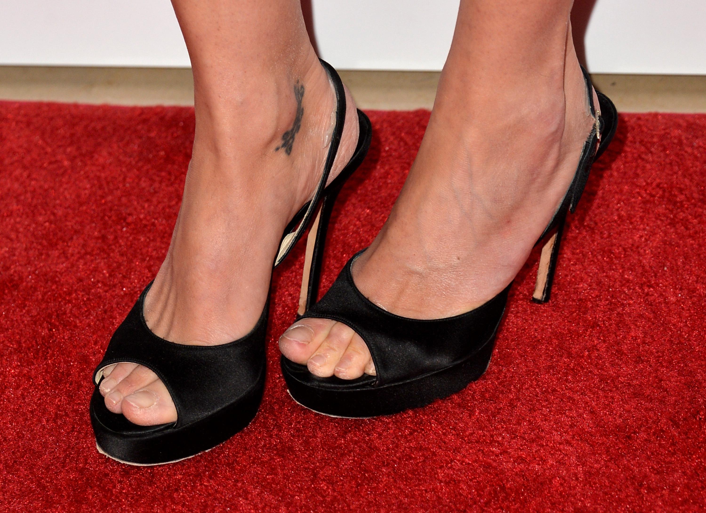 Gillian anderson feet