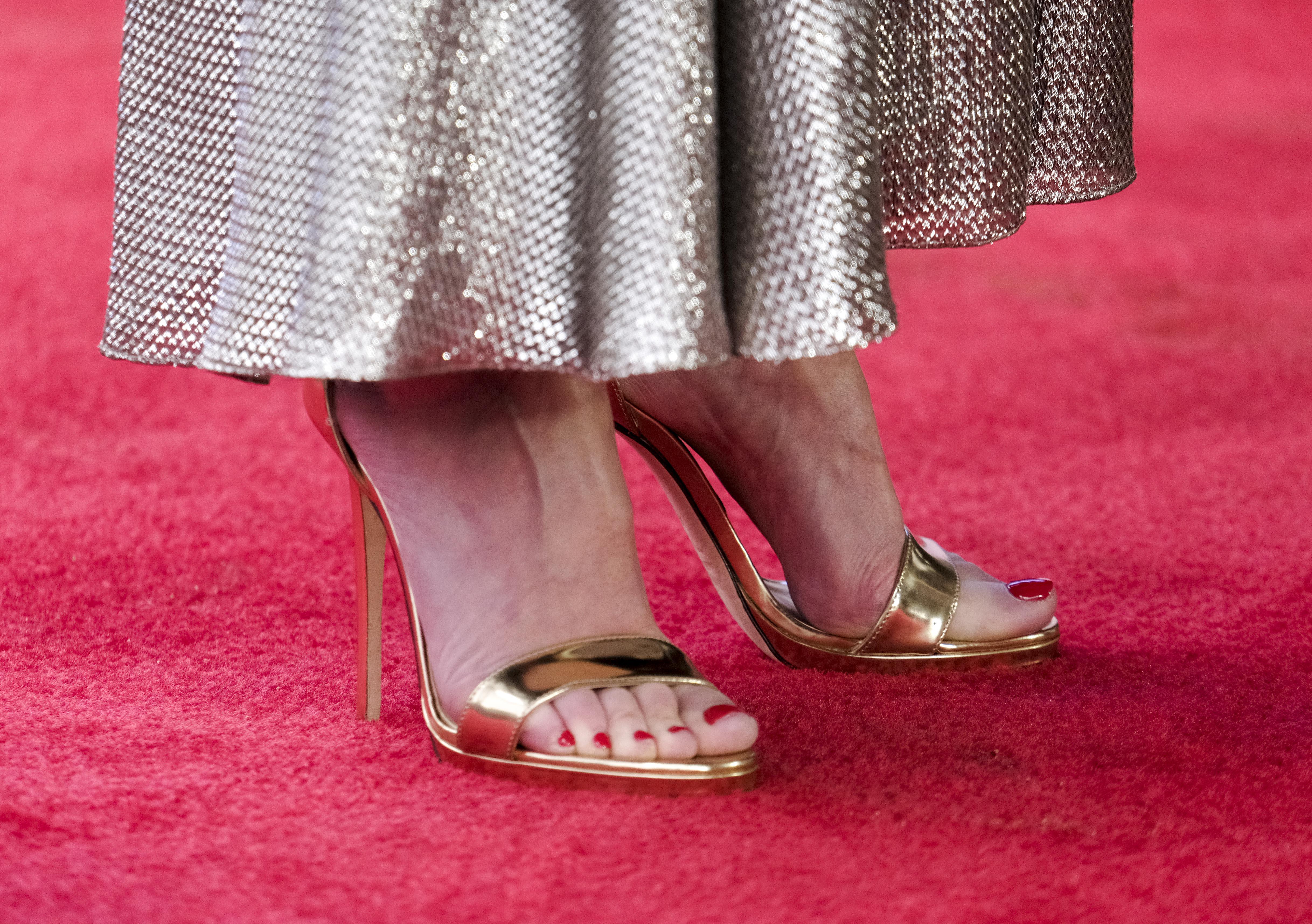 Feet Gillian Anderson nude photos 2019