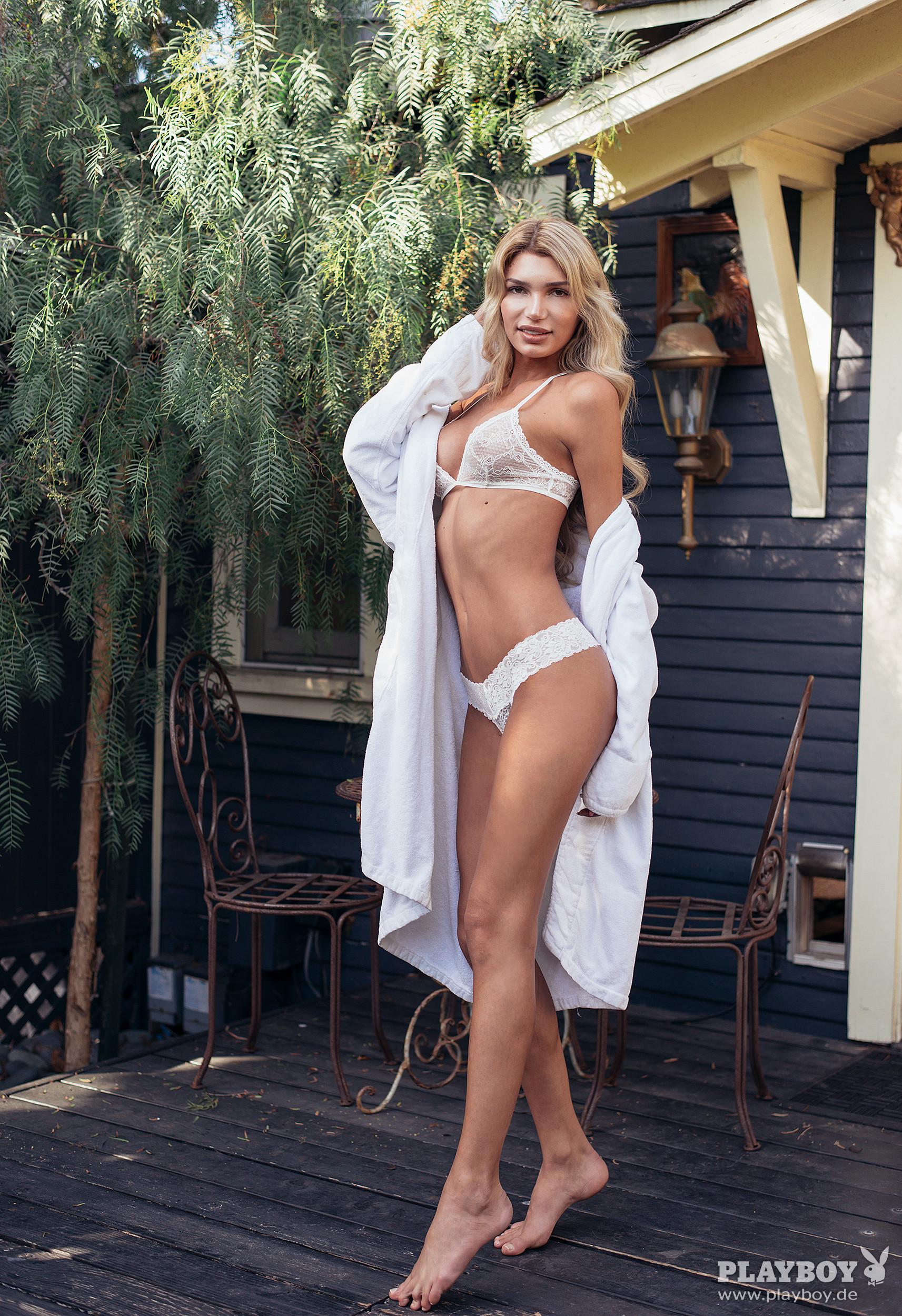 Feet Giuliana Farfalla nude photos 2019