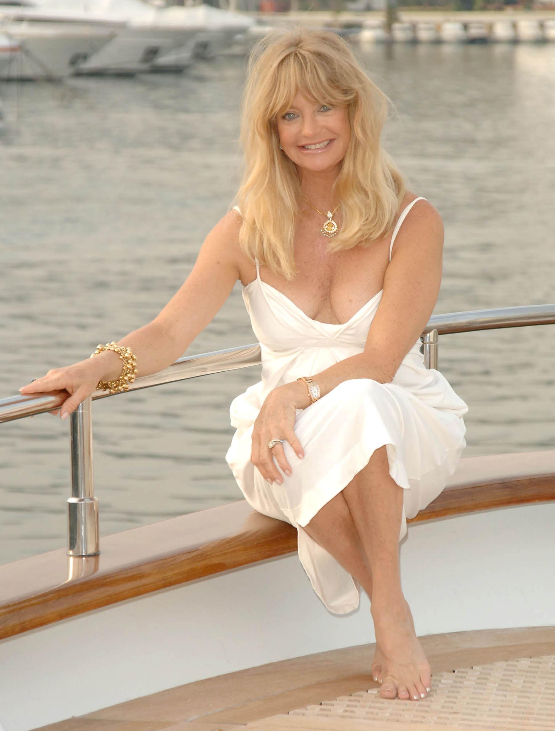 Goldie Hawn - Wikipedia