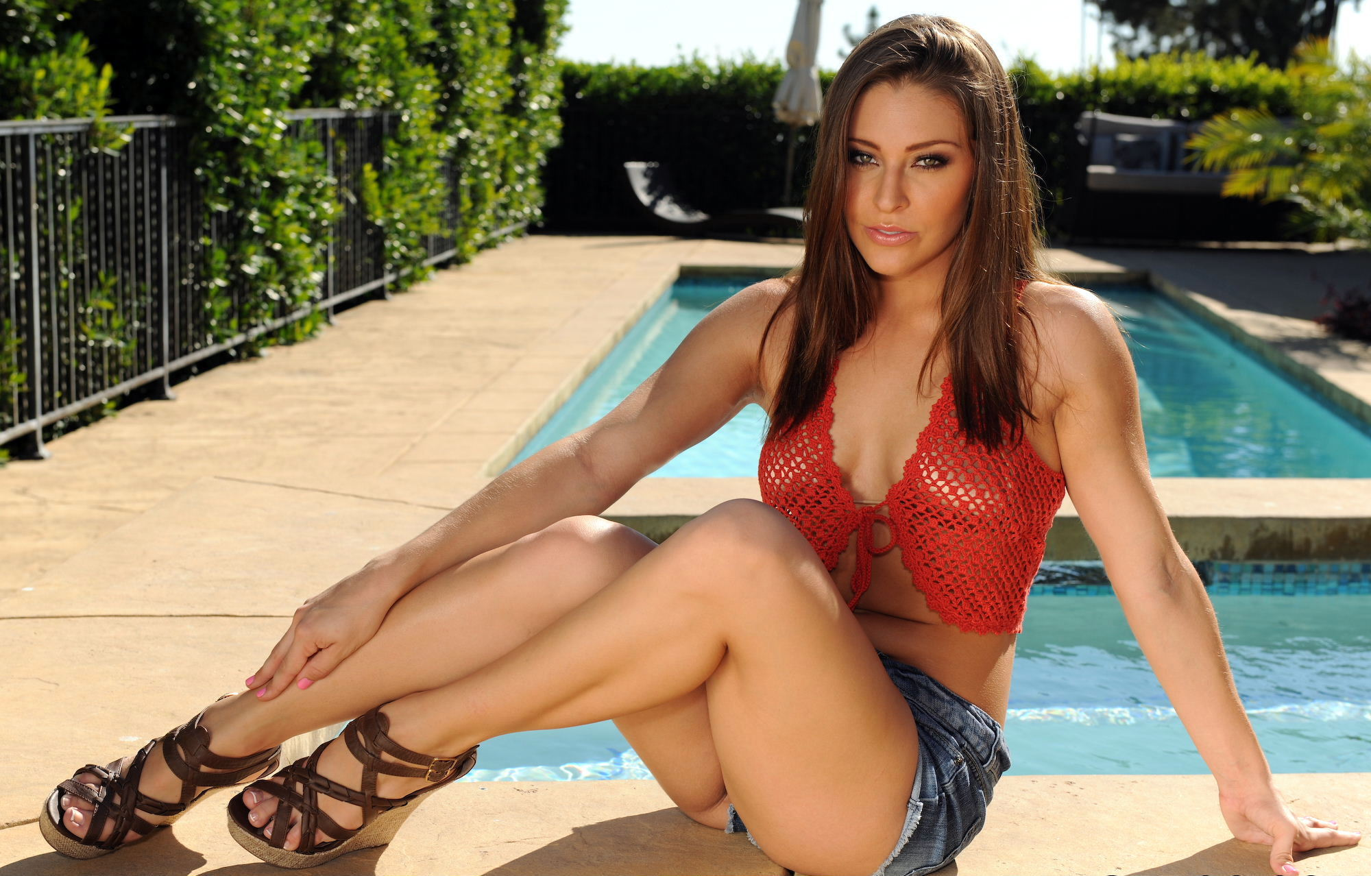 Gracie glam feet