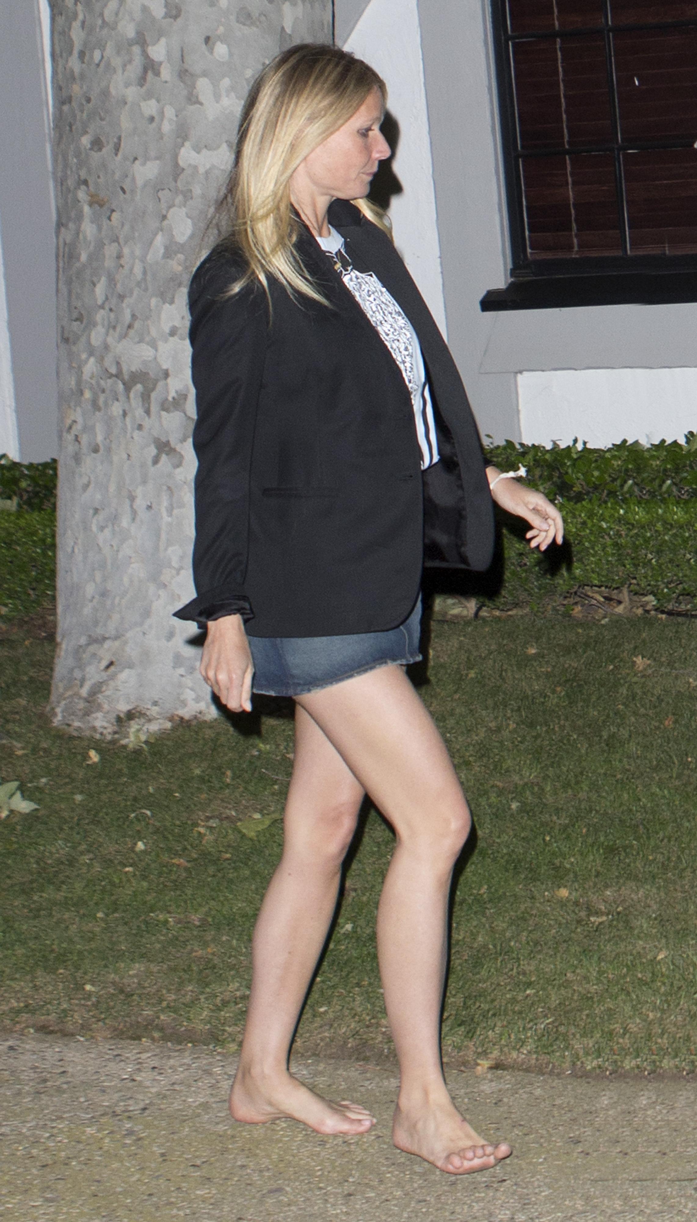 https://pics.wikifeet.com/Gwyneth-Paltrow-Feet-2217561.jpg
