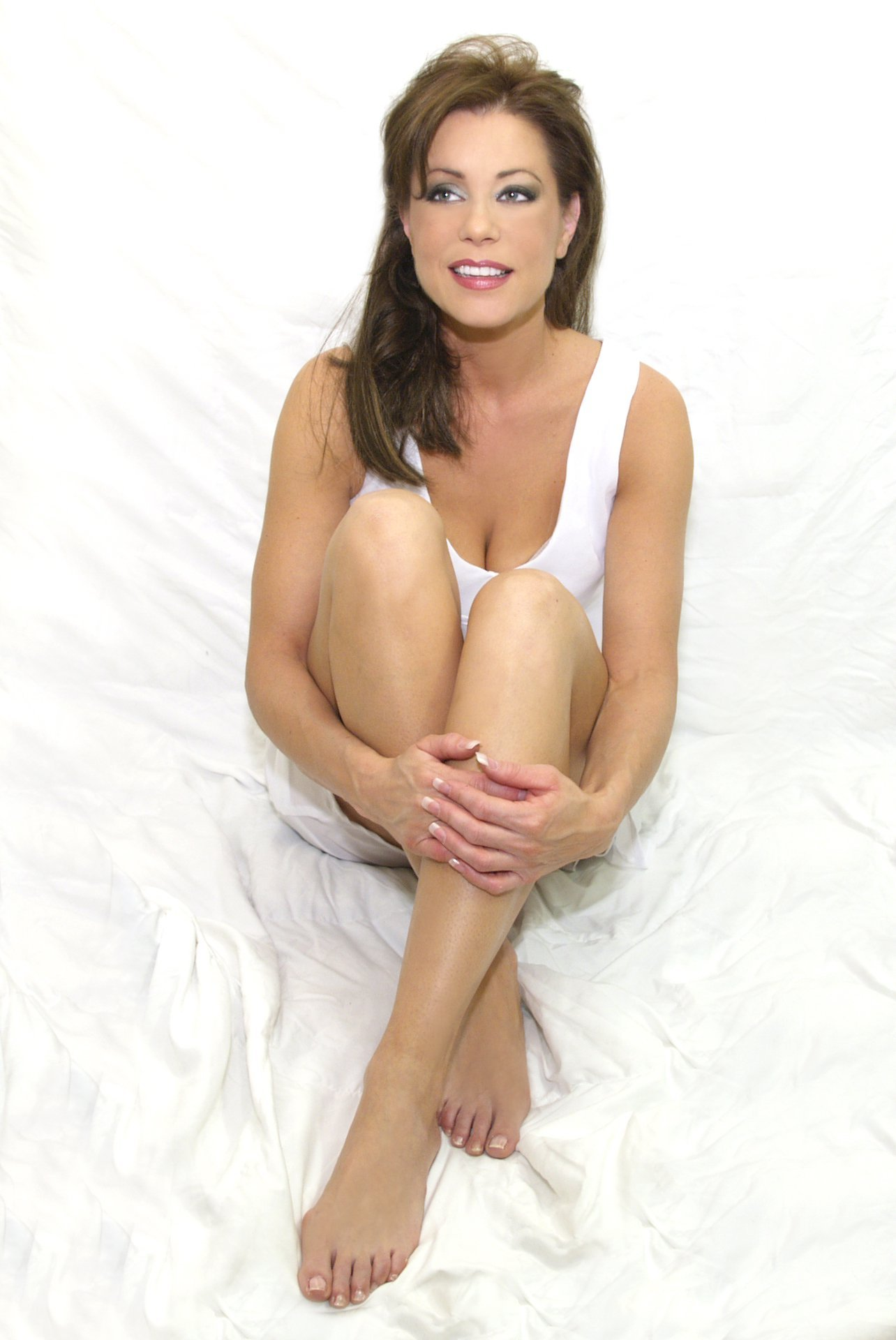 My moms feets one day i will cum on her pretty feets 5
