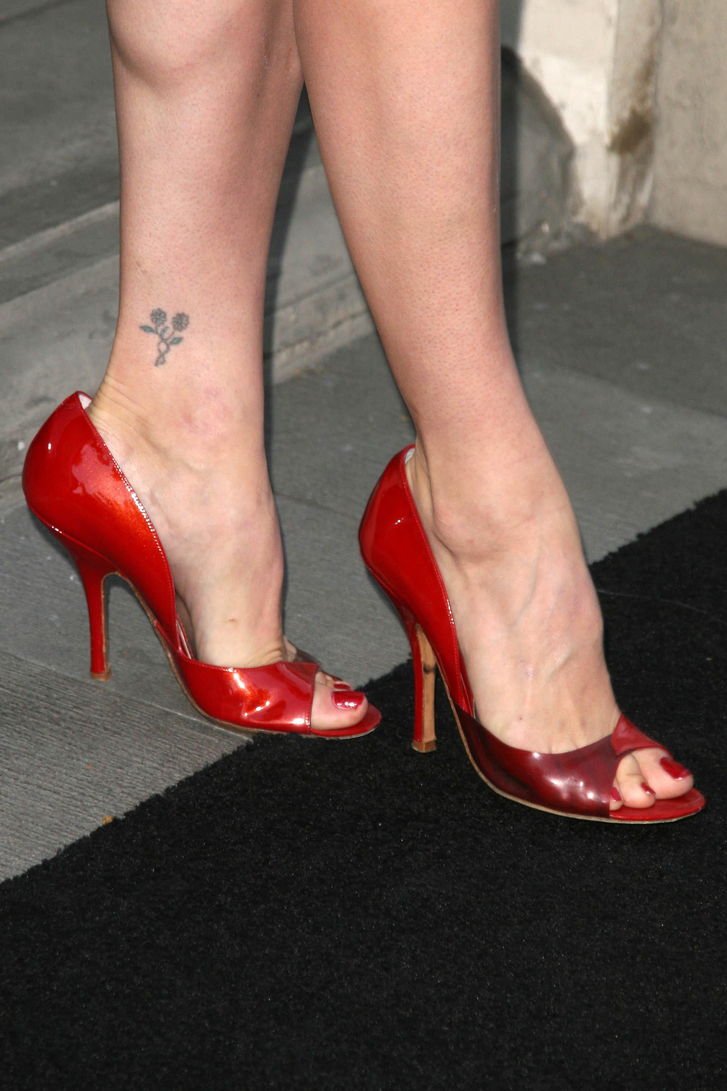 heather tom's feet << wikifeet