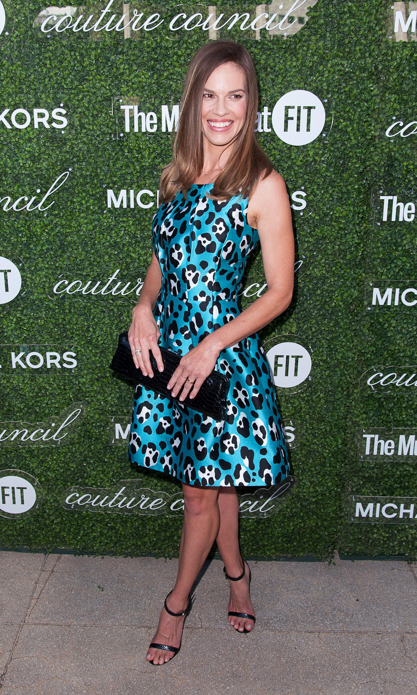 Browsing celebs   Julie bowen, Formal dresses, Little