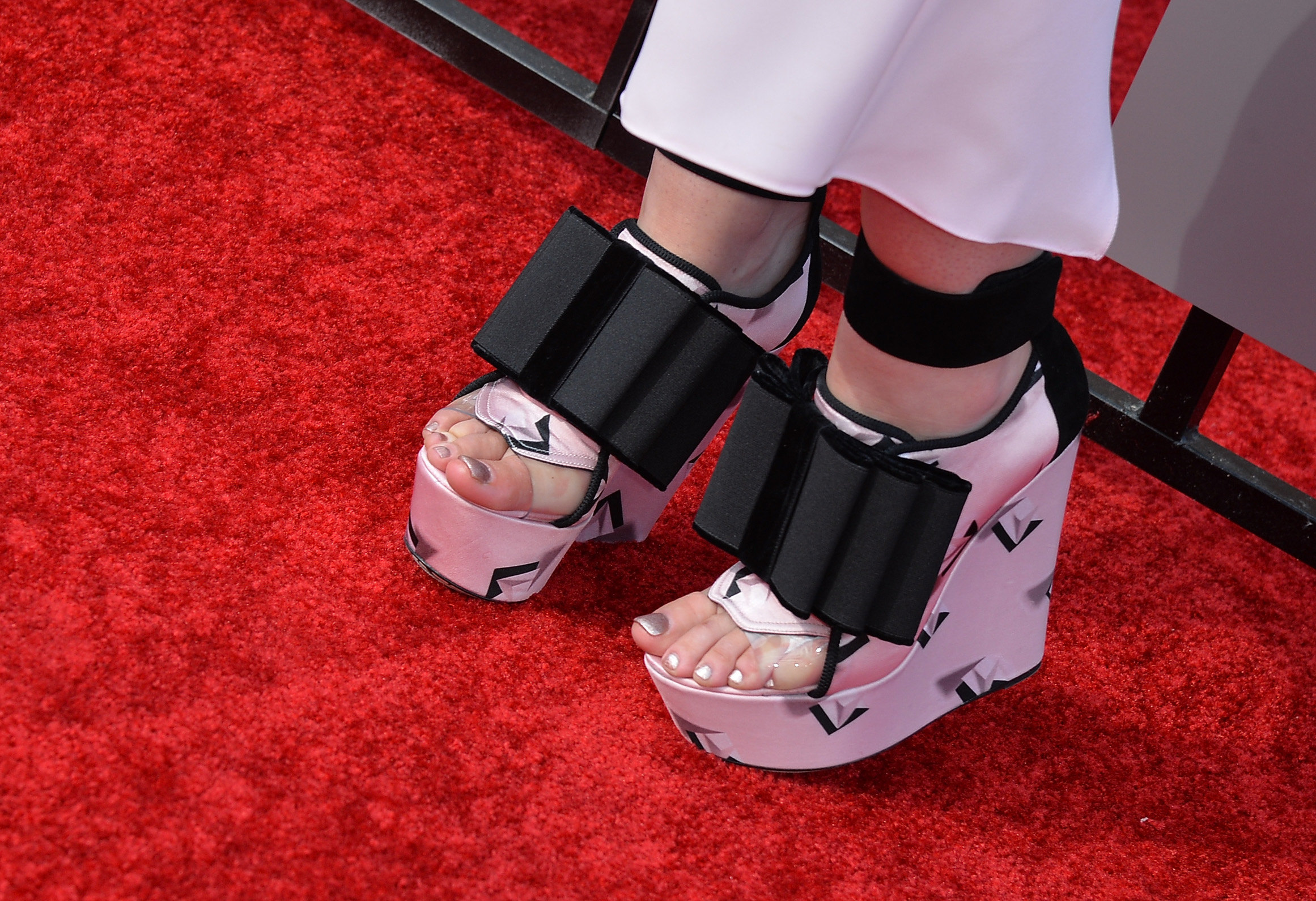 Iggy azalea toes