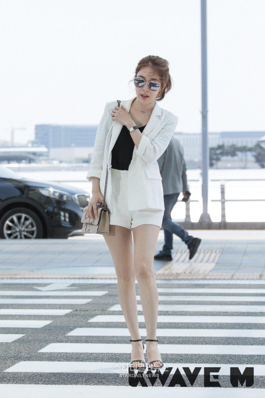 In-Na Yoo's Feet << wikiFeet