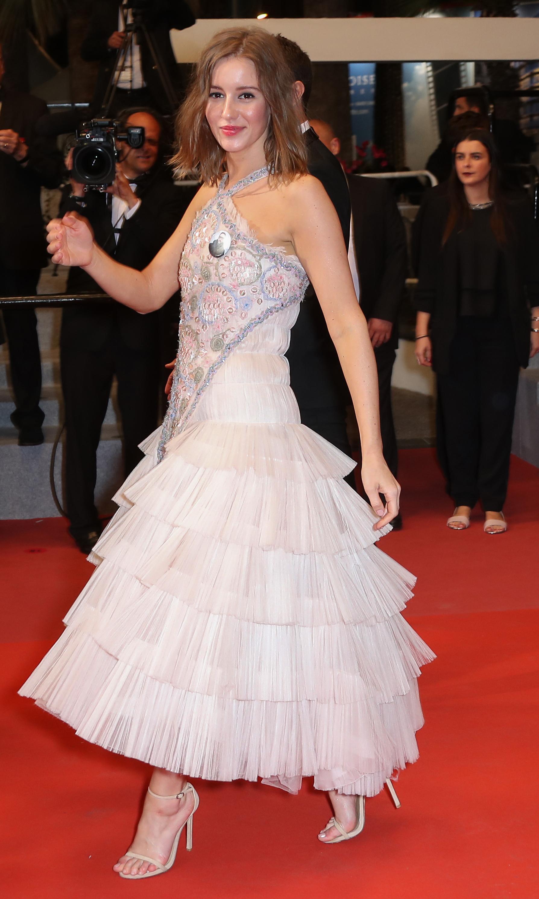 Irina Starshenbaum S Feet Wikifeet Casual outfits   fall winter celebrity fashion lookbook.