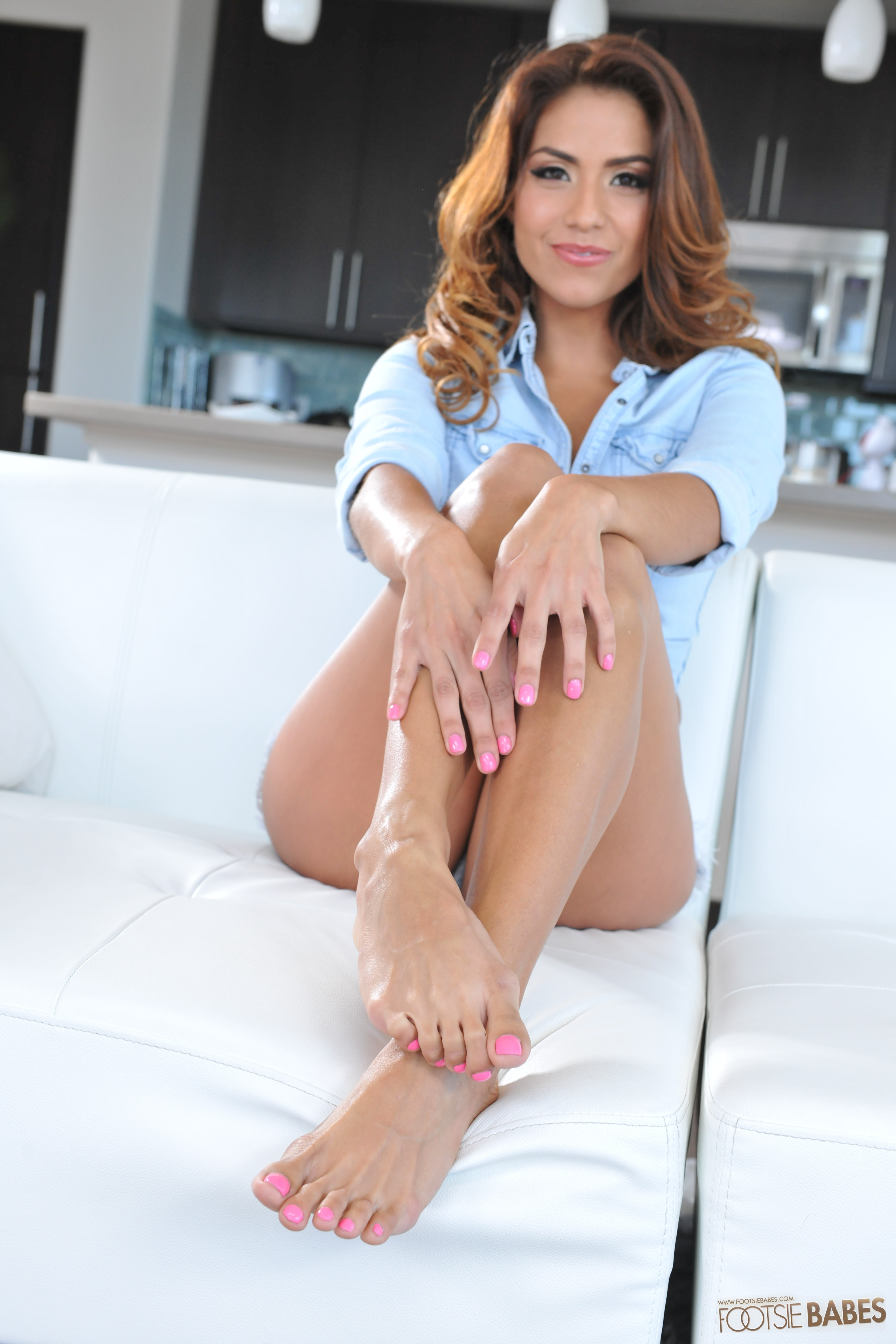 Latina beauty Isabella De Santos dose footjob in a foot fetish scene № 305729 загрузить
