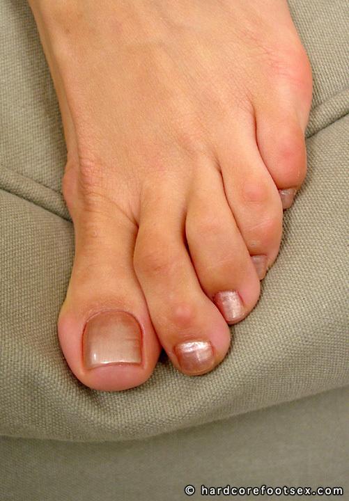 Isabella Santoss Feet