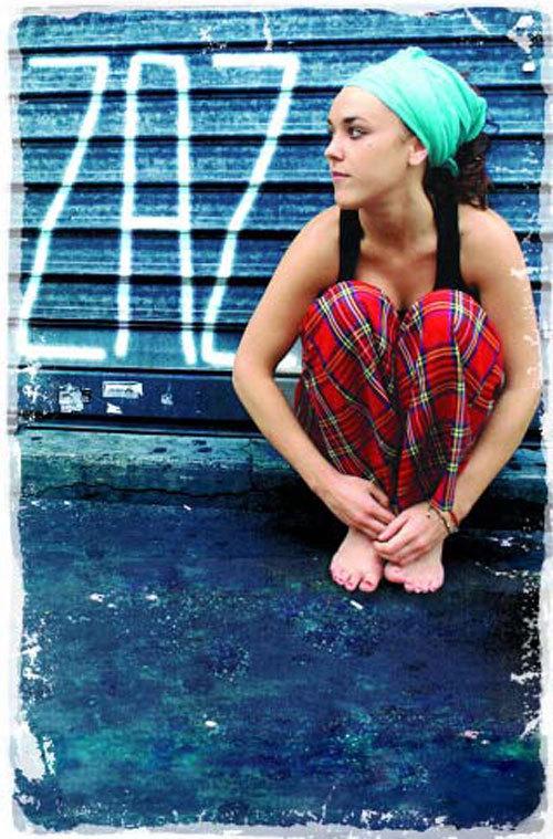 https://pics.wikifeet.com/Isabelle-Geffroy-Feet-929310.jpg