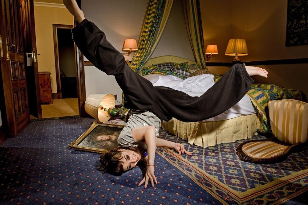 https://pics.wikifeet.com/Isabelle-Geffroy-Feet-974172.jpg