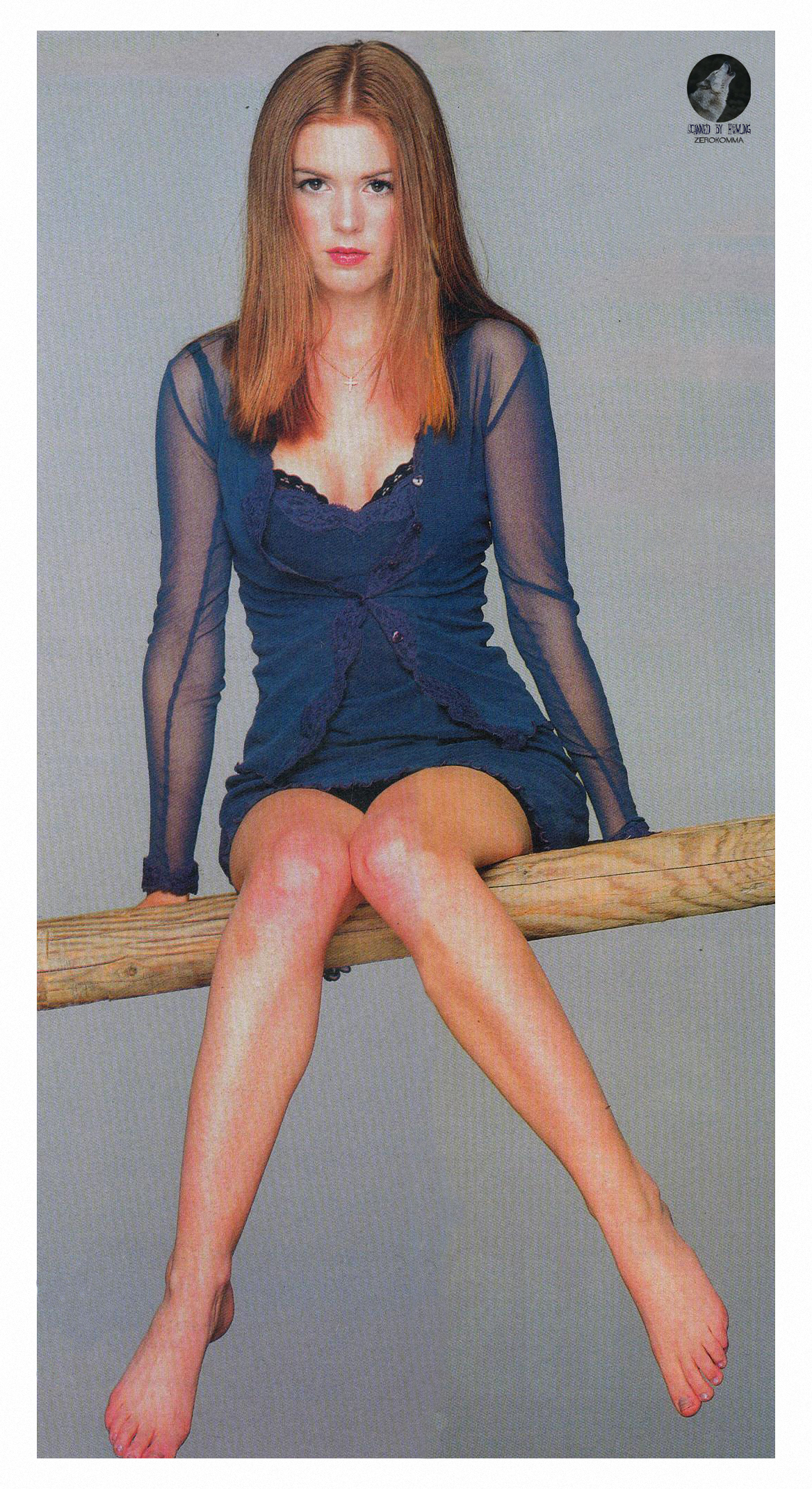 toes Isla fisher