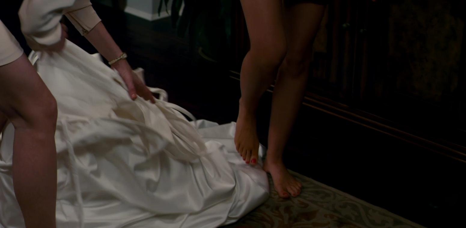 Isla Fisher's Feet