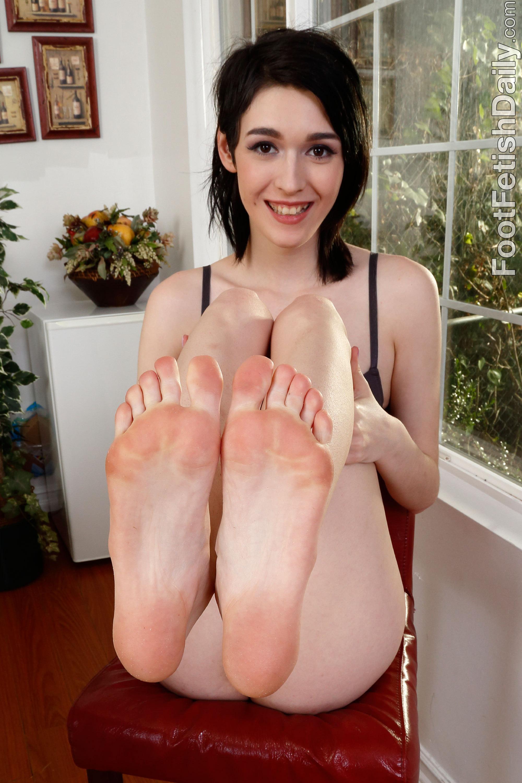 Ivy aura feet