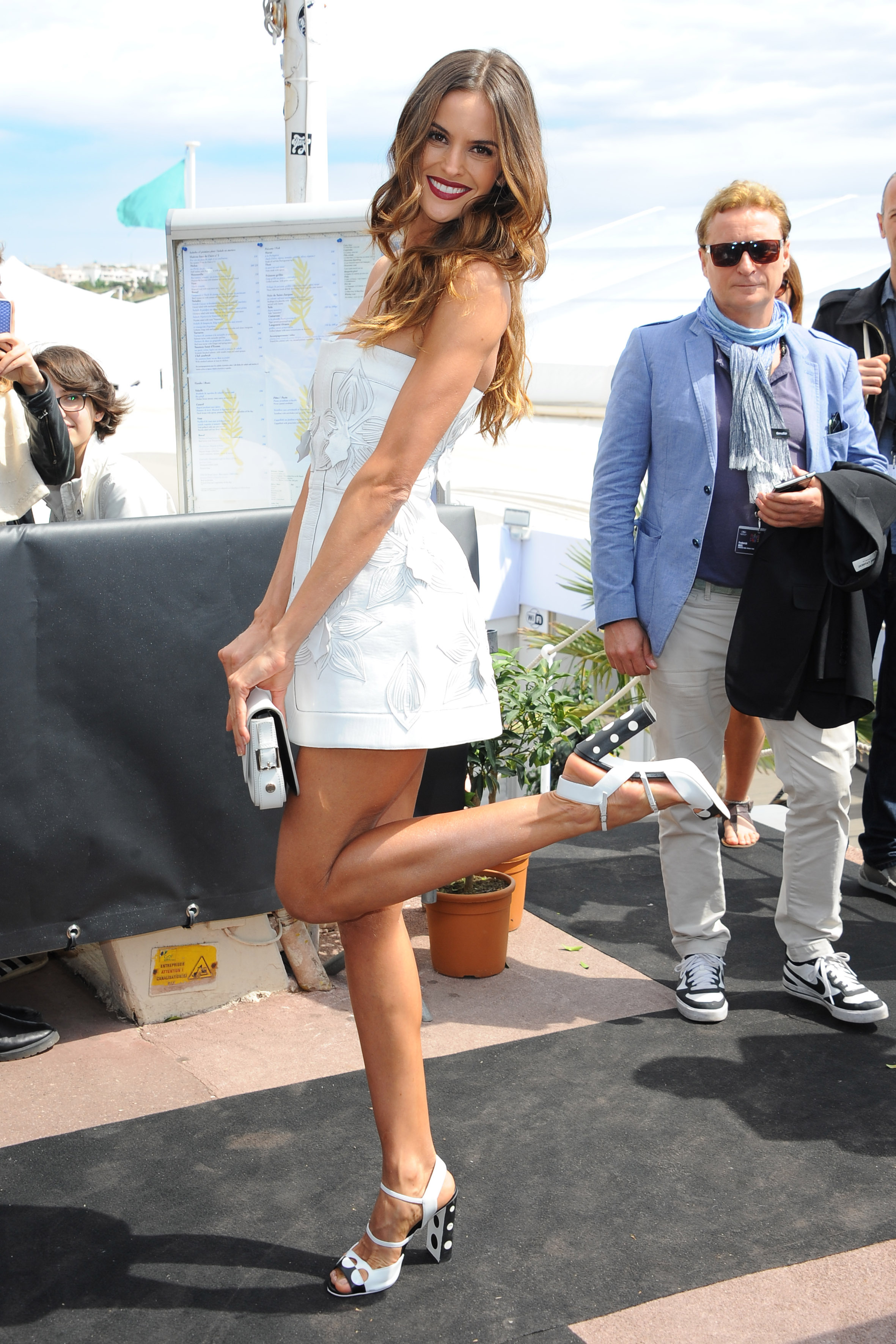 Izabel Goulart Feet Pictures to Pin on Pinterest - ThePinsta