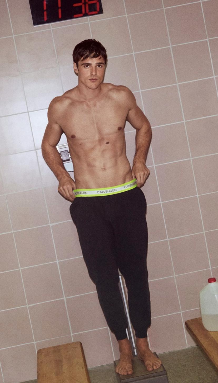 Shirtless Men On The Blog: Christopher Meireles Leoni