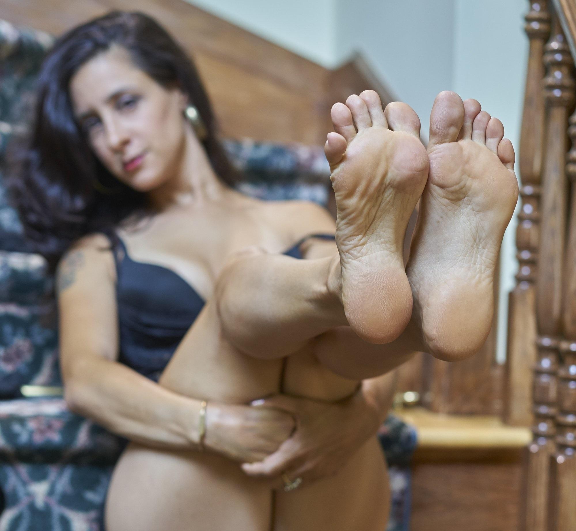 Bratty Foot Girls Worship